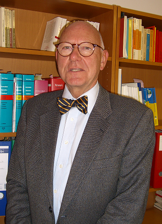 Dr. Michael Muster